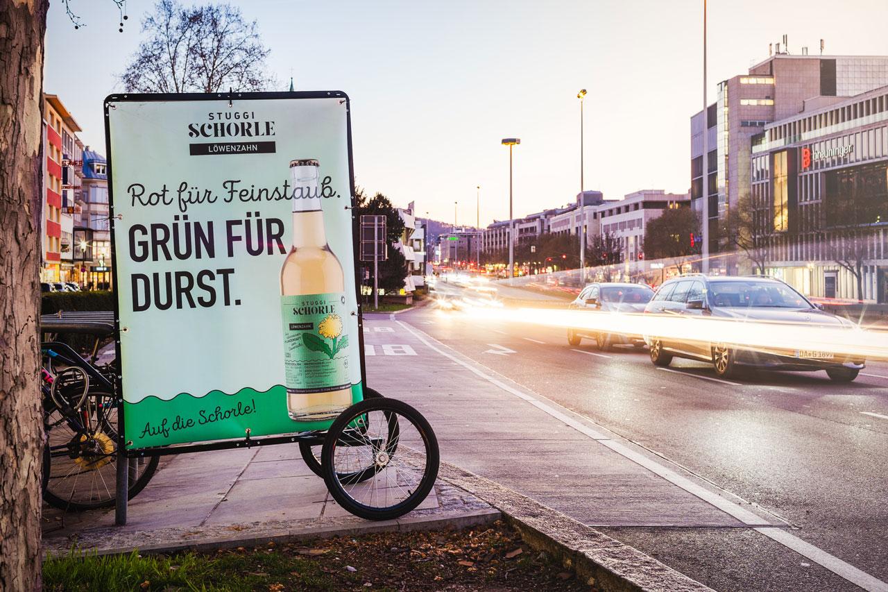 Fahrradplakat mit der Stuggi Schorle Löwenzahn.